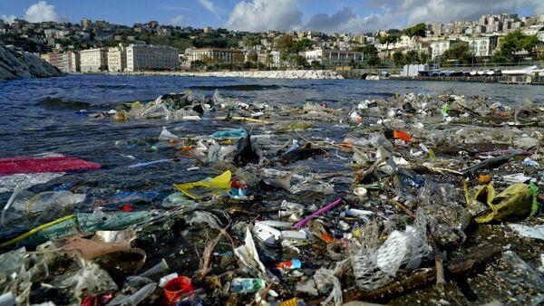 Emergenza nel Mediterraneo: nei fondali più profondi presto ci saranno più rifiuti che pesci