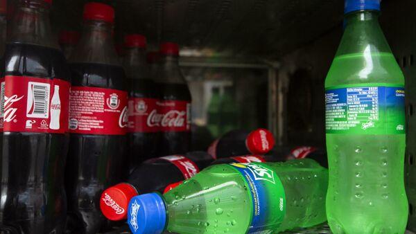 """""""In Europa le bottiglie delle bevande saranno tutte di plastica riciclata entro il 2030"""""""