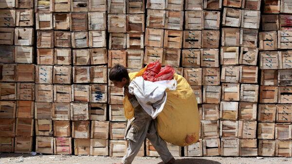 """Dal cacao africano alle nocciole turche, così il cibo made in Italy """"alimenta"""" il lavoro minorile nel mondo"""