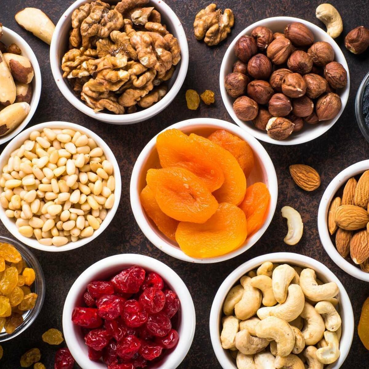 La frutta secca è un toccasana per la salute, va mangiata tutti i giorni (ma non troppa)